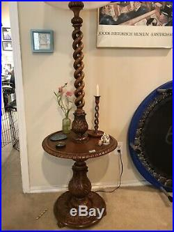 OPEN BARLEY TWIST HAND CARVED FRENCH STANDING LAMP WITH SURROUND TABLE. 1920s