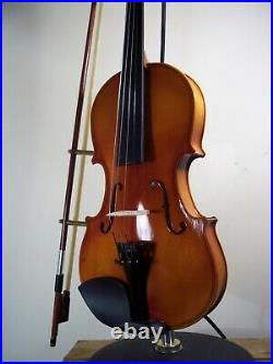 Upcycled Violin Large Industrial/Steampunk/Musical Table/Desk/Bedside Lamp/Light